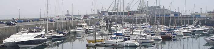 Photograph of the QE2 Marina.